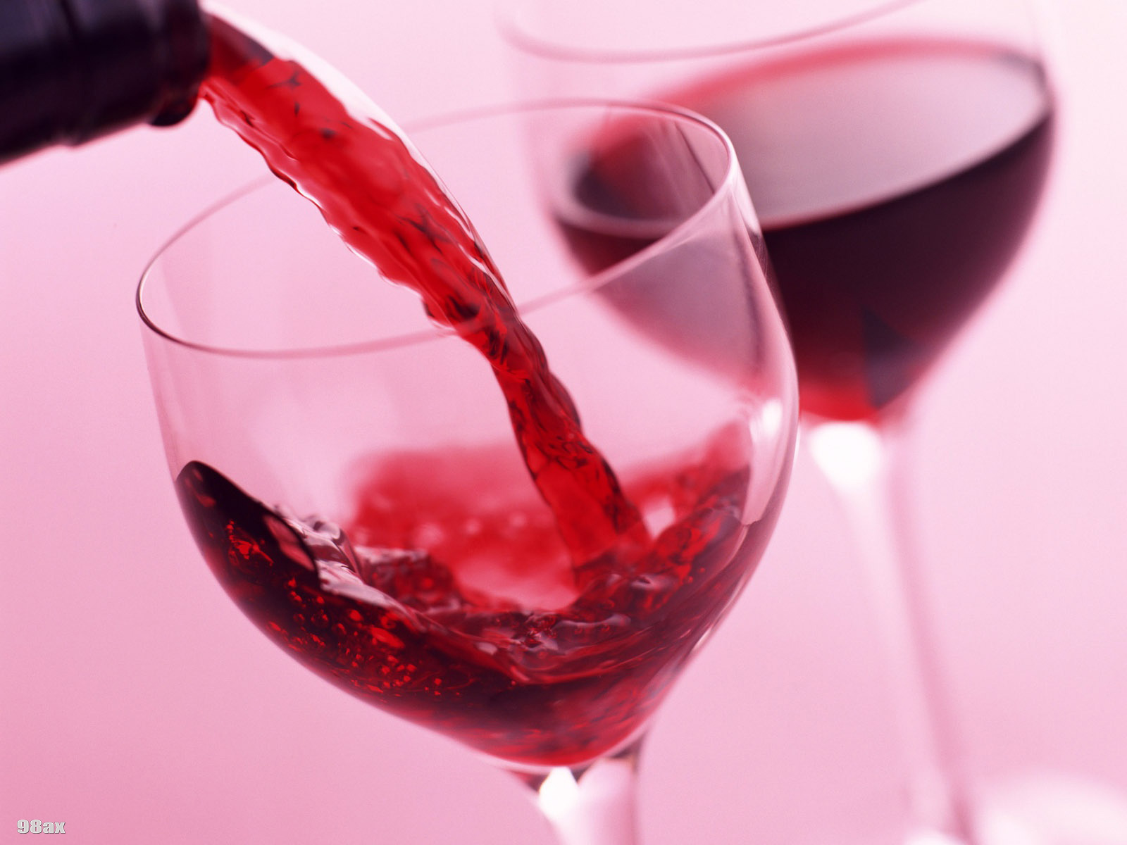 http://sahebnews.ir/files/uploads/2015/09/red_wine.1600.jpg