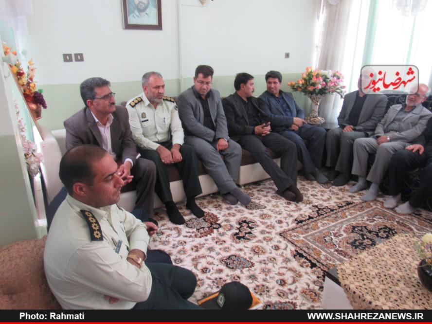 دیدار نماینده و مسئو لین با ایت الله نجفی و شهدا نیروی انتظامی (194)