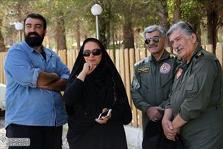 دختر یک فرمانده شهید فیلمساز شد +عکس