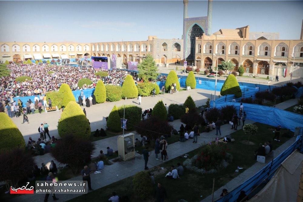 حسن روحانی در اصفهان