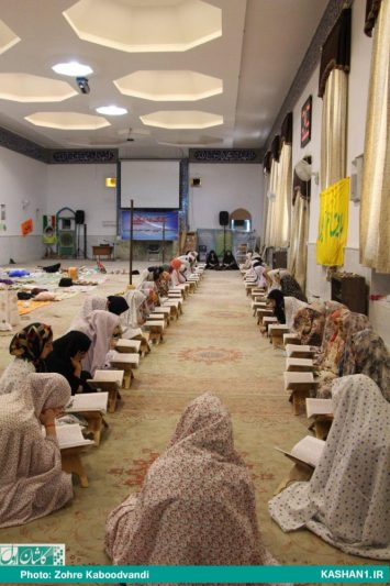 اولین اعتکاف رمضانیه مدارس دخترانه کاشان/ تصاویر