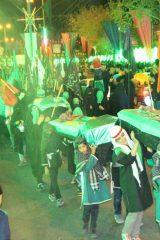 آیین نمادین خاکسپاری شهدای کربلا در اردستان