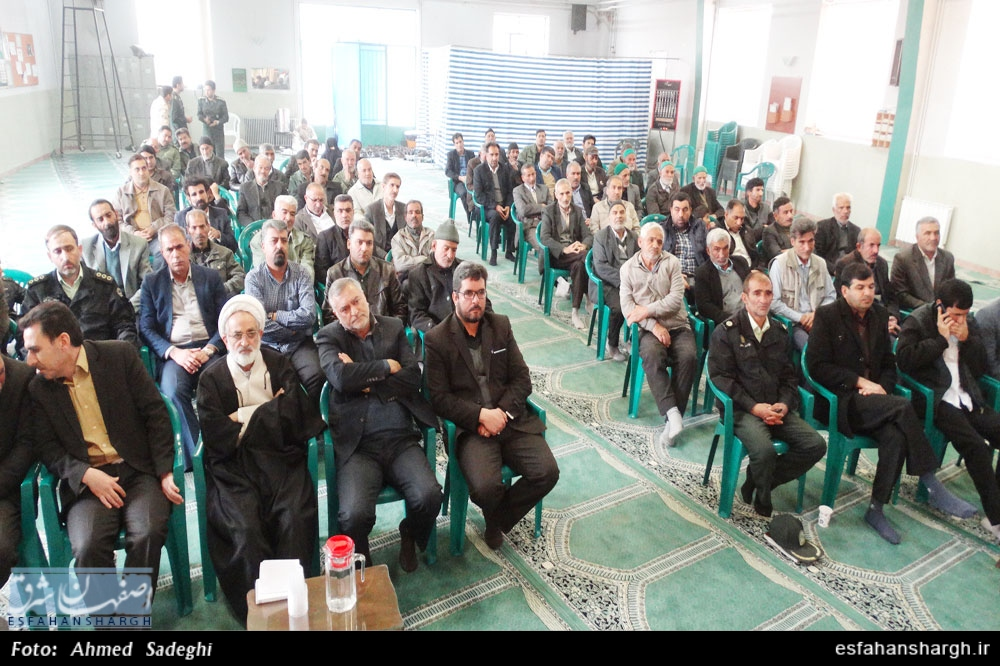 در نشست صمیمانه جانبازان و رزمندگان حسنآباد جرقویه علیا مطرح شد؛ وجود شش هزار و 500 نفر تحصیلکرده بیکار در خانواده جانبازان اصفهان/ جانبازان بیشتر از دارو به محبت احتیاج دارند