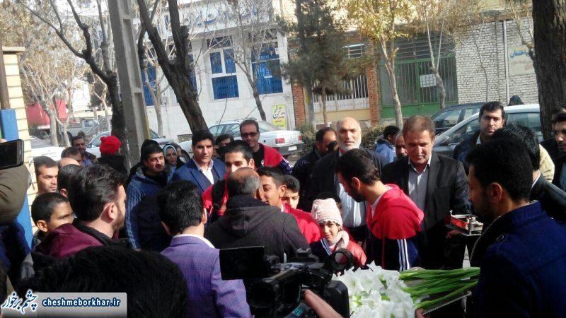 استقبال مردم از قهرمانان مسابقات بینالمللی ارمنستان در برخوار+تصاویر