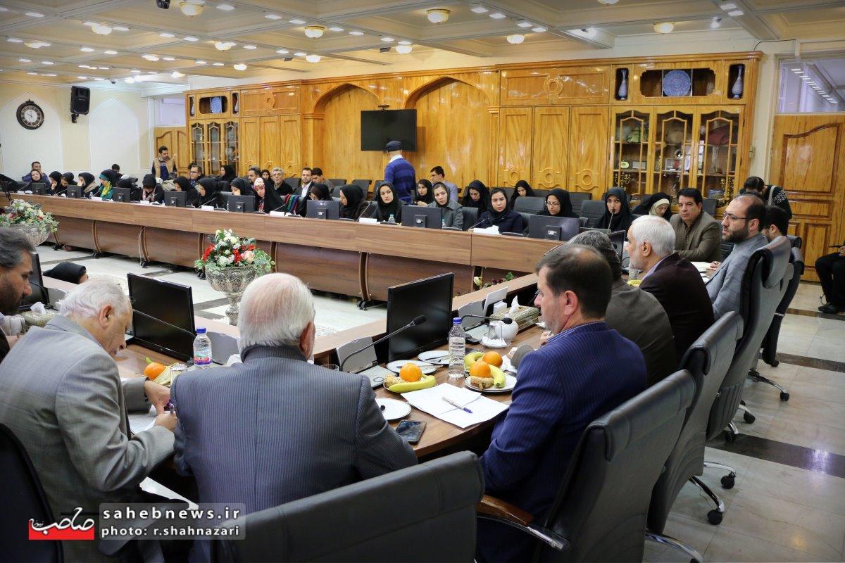 نشست خبری استاندار اصفهان (27)