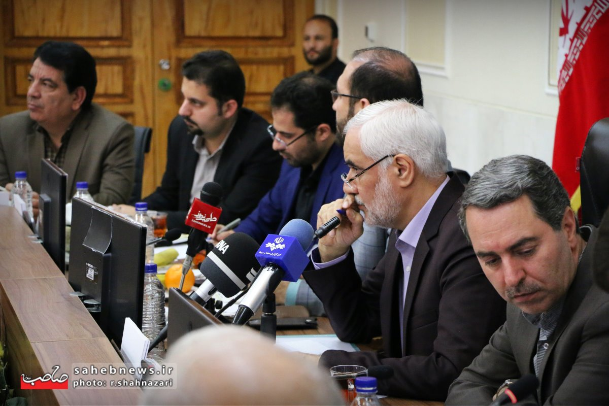 نشست خبری استاندار اصفهان (31)