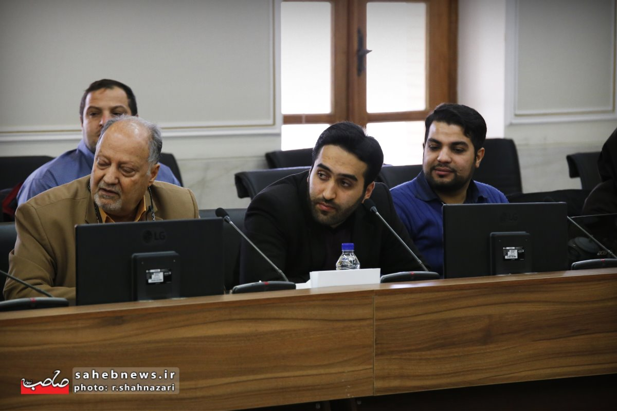 نشست خبری استاندار اصفهان (6)