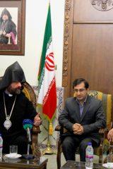 عکس دیدار سردار با پیشوای ارامنه