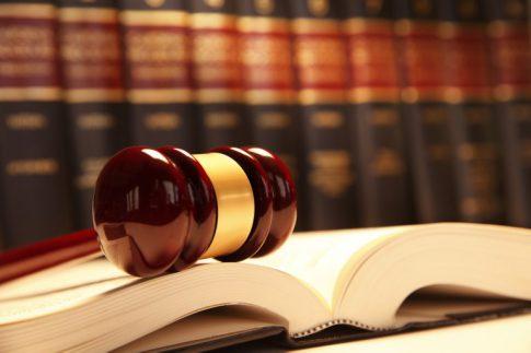 وکیل-حرفه-ای