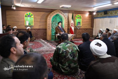 دیدار نیرهای مسلح اصفهان با امام جمعه (4)