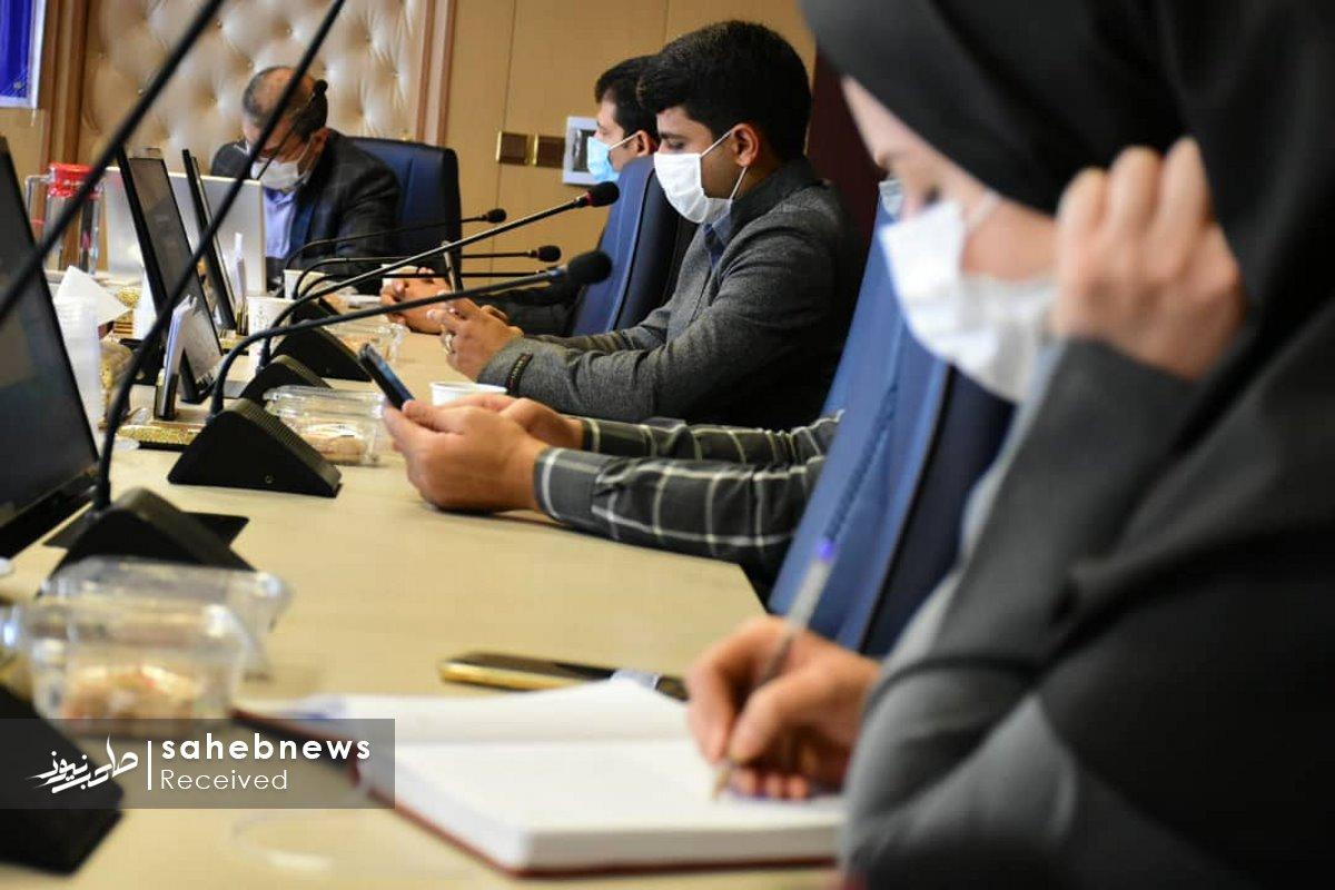 نشست خبری کرونا دانشگاه علوم پزشکی اصفهان (2)