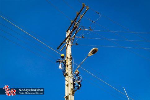 آغاز پروژه تبدیل شبکه برق فشار ضعیف به کابل خودنگهدار در برخوار (10)