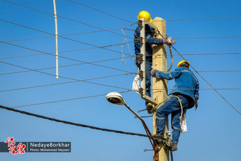 آغاز پروژه تبدیل شبکه برق فشار ضعیف به کابل خودنگهدار در برخوار (16)