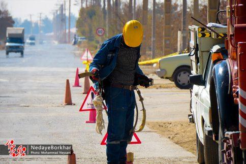 آغاز پروژه تبدیل شبکه برق فشار ضعیف به کابل خودنگهدار در برخوار (2)