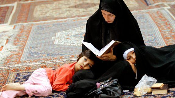 عوامل-موثر-در-تربیت-دینی-فرزندان