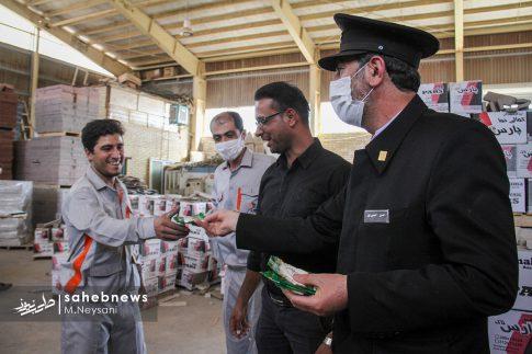 حضور خادمین امام رضا (ع) در کارخانه آجر کمالی نما دولت آباد + تصاویر (7)